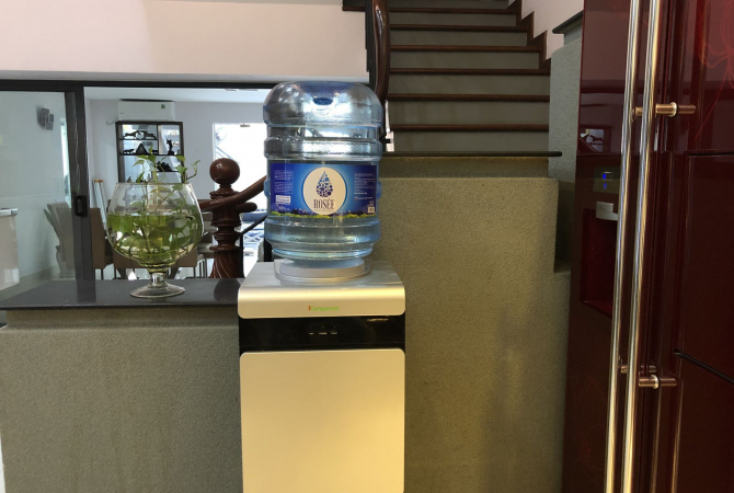 Nước Đá Hồng Phúc tiếp tục lấn sân sang nước tinh khiết với thương hiệu Rosée Water